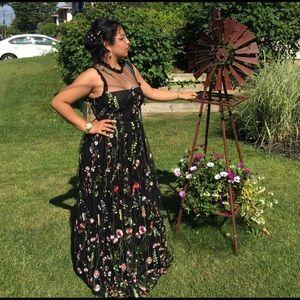 Dresses & Skirts - FLORAL LACE BLACK PROM DRESS